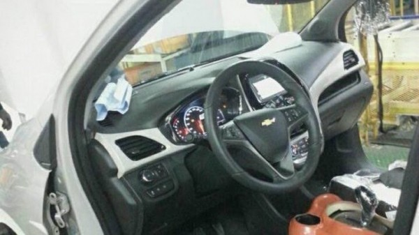 2016 Chevrolet Spark Reveals Its Interior Before April Debut ...
