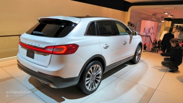 2016 lincoln mkx makes world debut at naias it s a glorified 2015 ford edge inside live photos. Black Bedroom Furniture Sets. Home Design Ideas