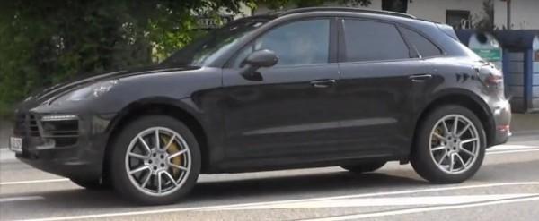 2019 porsche macan shows up in german traffic hybrid. Black Bedroom Furniture Sets. Home Design Ideas