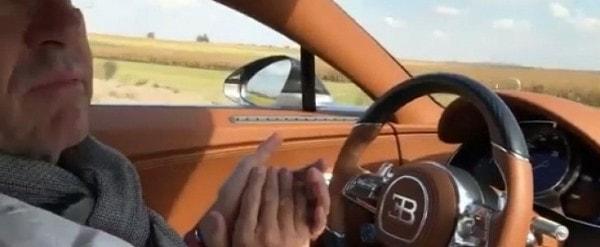 Bugatti Chiron Driver Unlocks Secret Hands Free Driving Mode Goes Speeding Autoevolution