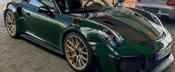 british racing green 2018 porsche 911 gt2 rs is dressed for the occasion au. Black Bedroom Furniture Sets. Home Design Ideas