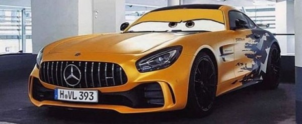 flash mercedes amg gt r wrap is a cars movie hero autoevolution. Black Bedroom Furniture Sets. Home Design Ideas
