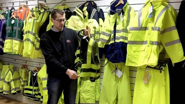 High Visibility Vests Become Mandatory For Riders In France Autoevolution