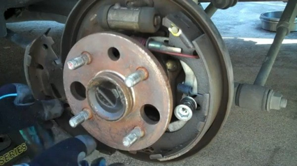 How To Replace Rear Drum Brakes And Pads On 2000 Toyota