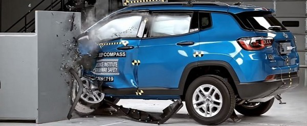 iihs crash test 2017 jeep compass fails to earn top safety pick rating autoevolution. Black Bedroom Furniture Sets. Home Design Ideas