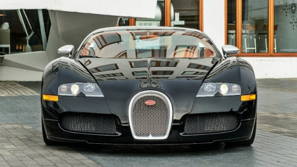 Is Drake Fed Up With His Bugatti Veyron Sang Noir Video