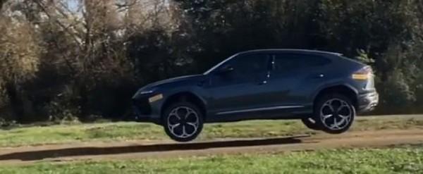 Lamborghini Urus Goes Offroading Jumps For Joy Autoevolution