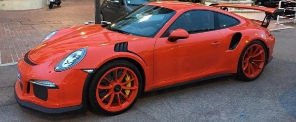 lava orange porsche 911 gt3 rs gets lava orange rims is it too much autoevolution. Black Bedroom Furniture Sets. Home Design Ideas