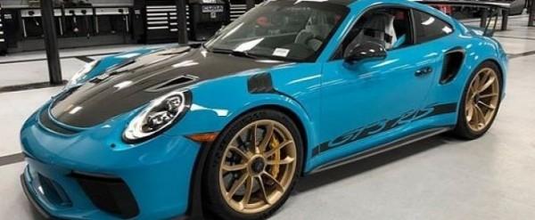 Miami Blue 2019 Porsche 911 GT3 RS Weissach Has Matching