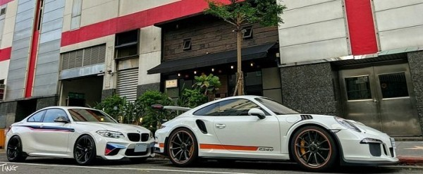 Porsche 911 Gt3 Rs Pdk Gets Fake Rs 4 0 Stickers In Taiwan