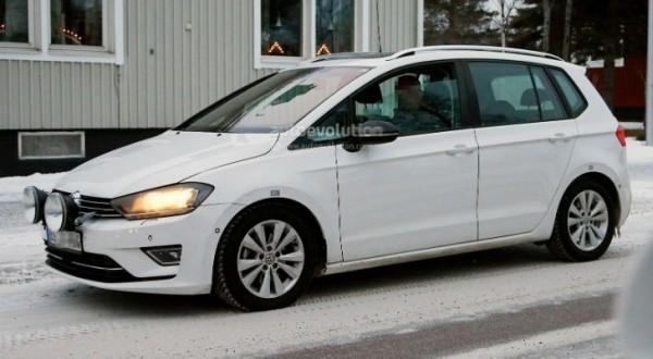 Spyshots Golf Sportsvan Readies For 2014 Launch Autoevolution
