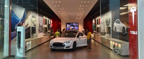 Tesla Plans Showroom Overhaul For Model Launch Autoevolution - Overhaul car show