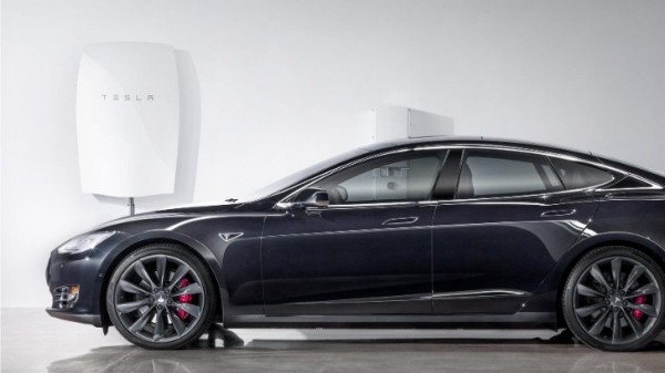 Tesla Powerwall Cost >> Tesla Powerwall Wears 5 000 Installed Price Tag Solarcity