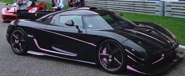 Koenigsegg One 1 >> When A Slightly Pink Koenigsegg One 1 Made A Red Laferrari Look