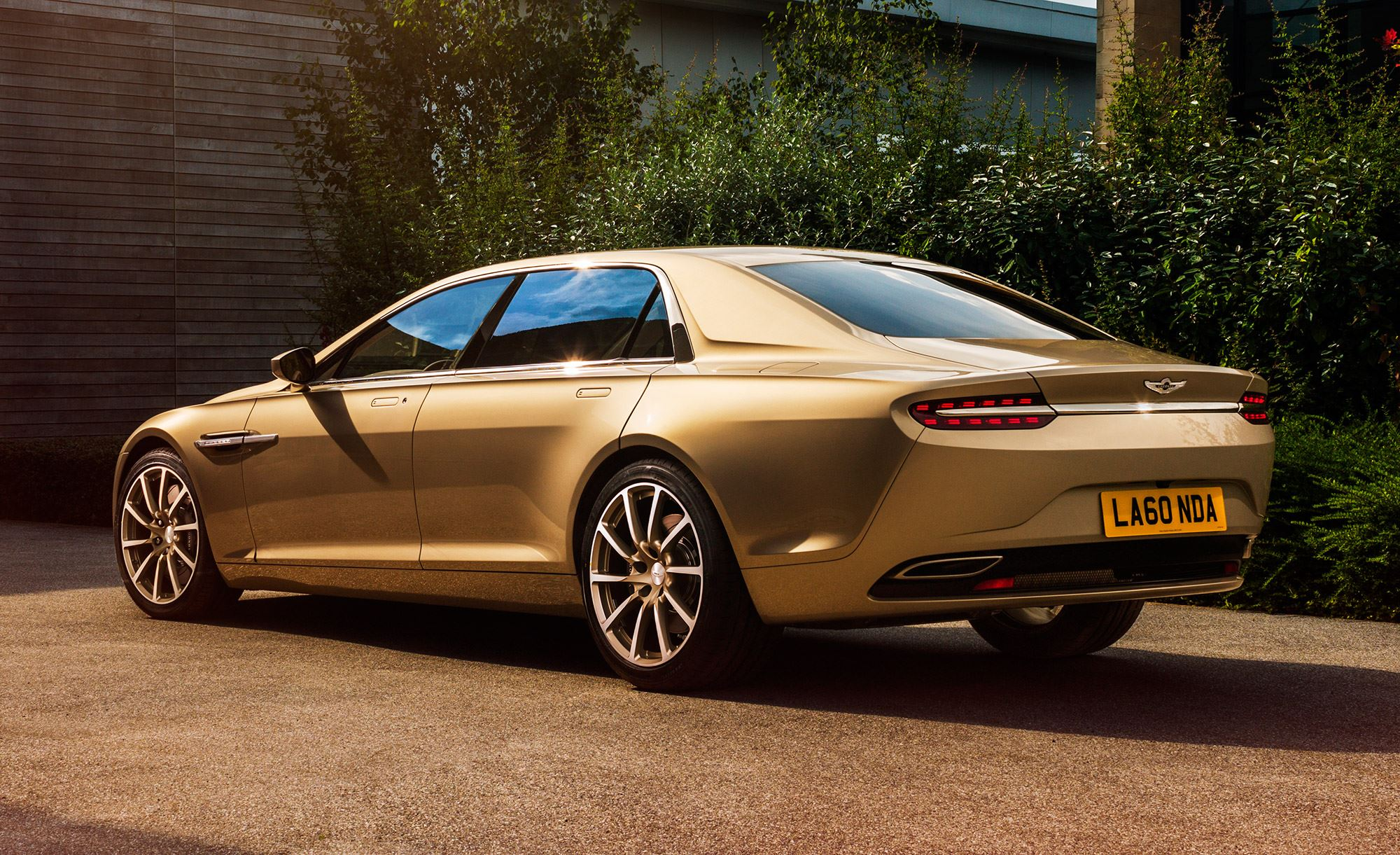 1 Million Will Buy You The Lousiest Aston Martin Of Recent Years Video Photo Gallery Autoevolution