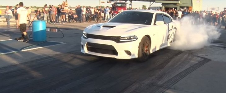1 000 Hp Dodge Charger Hellcat Hits Drag Strip With Child