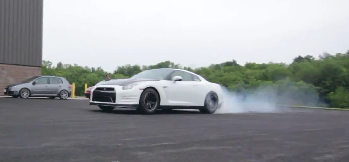 1000 Hp Gtr >> 1,000 HP Nissan GT-R Extreme Launch Turns into a Burnout - autoevolution