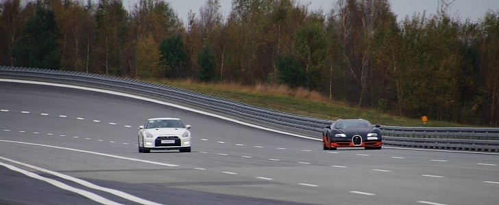 1,200 HP Nissan GT-R Races 1,200 HP Bugatti Veyron on Papenburg High Speed Oval - Video