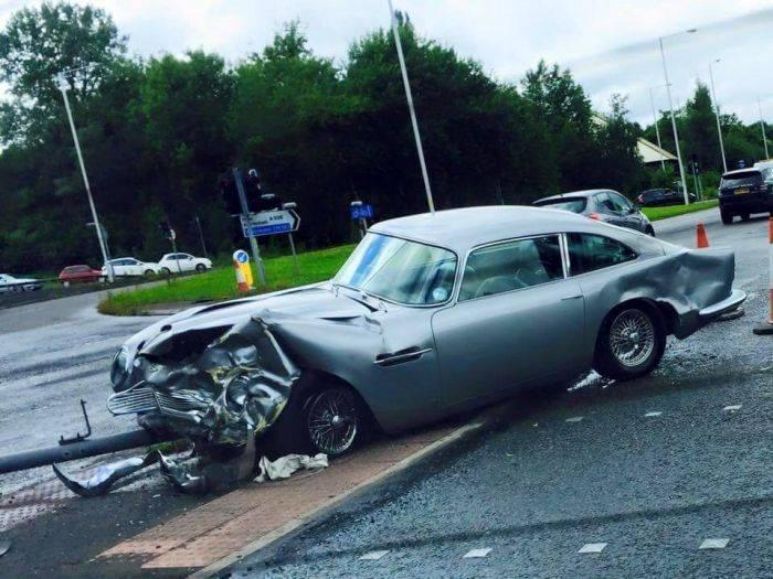 Crashed Aston Martin Db5 Worth 1 5 Million Proves Life Is Not A James Bond Movie Autoevolution