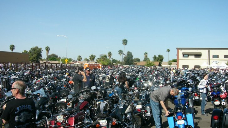 1500-Harley-Davidson Parade at the Arizona Torch Ride
