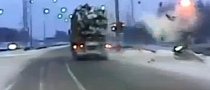 18-Wheeler Takes Out Traffic Light With Pinpoint Precision [Video]