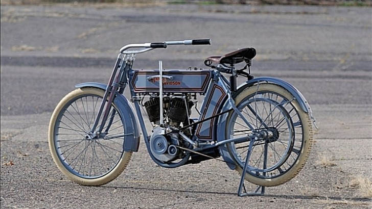 Motorcycles Bikers And More: 1911 Harley-Davidson 7D Twin And Hundreds More Bikes For