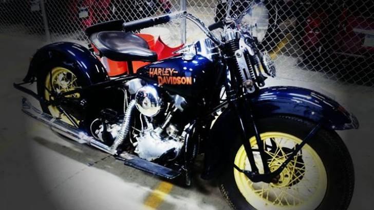 Arson Black Wheel Large besides Harley Davidson Cvo X W further Alex Bigdog Rdax X further Harley Davidson Wla V further Ca F Eeda E Dc E De Tool Roll Mexican Blankets. on harley davidson motorcycles