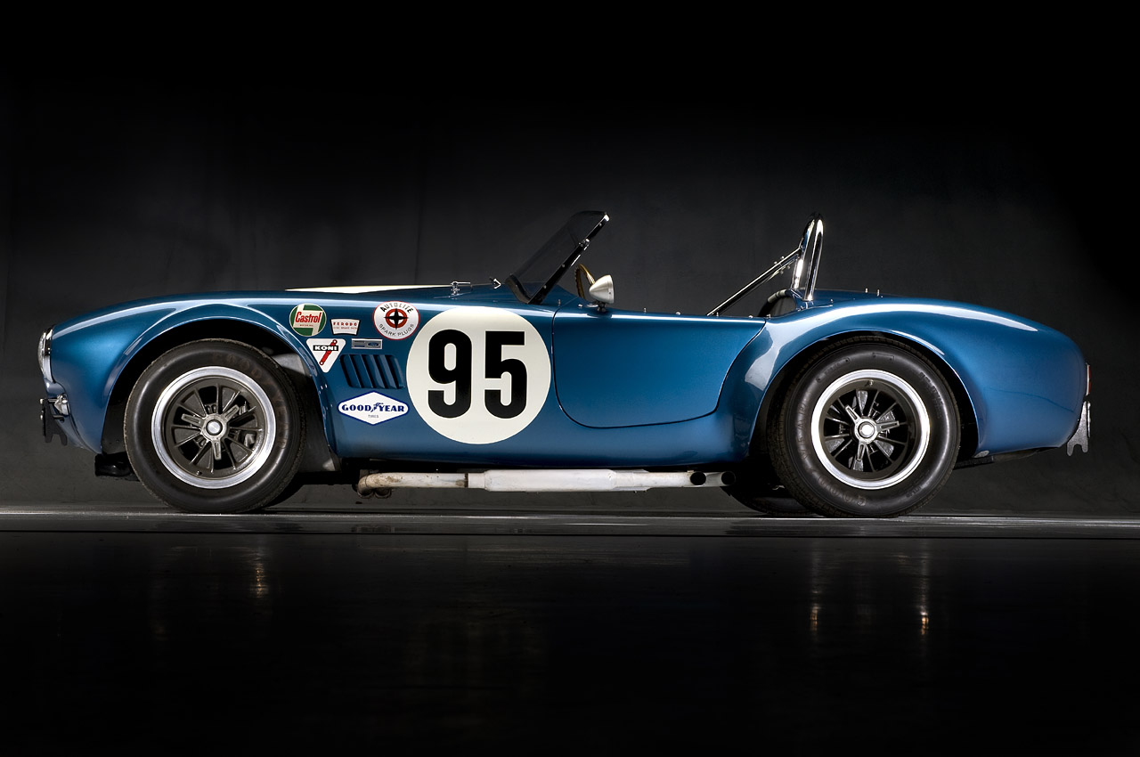 1964 shelby cobra up for auction autoevolution. Black Bedroom Furniture Sets. Home Design Ideas