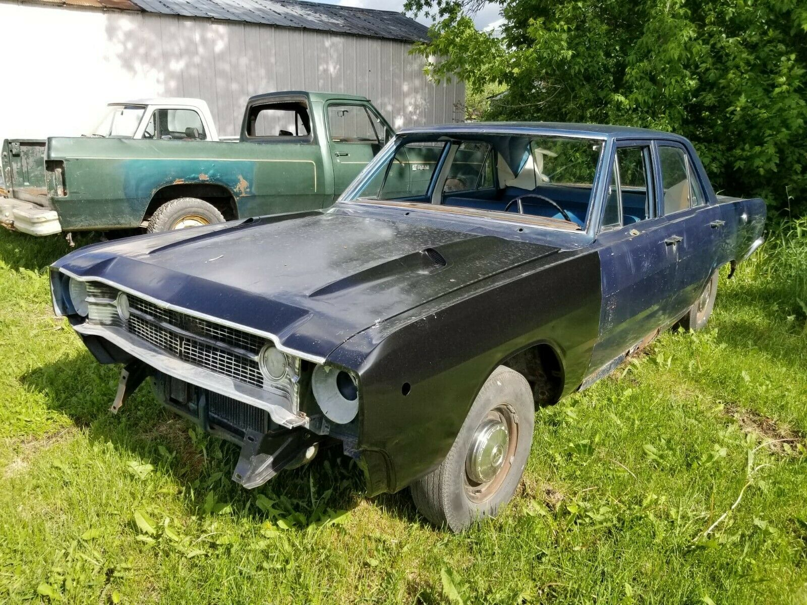 1968 Dodge Dart Lost Its Steering Wheel Got Some Ford Mustang Hood Scoops Autoevolution