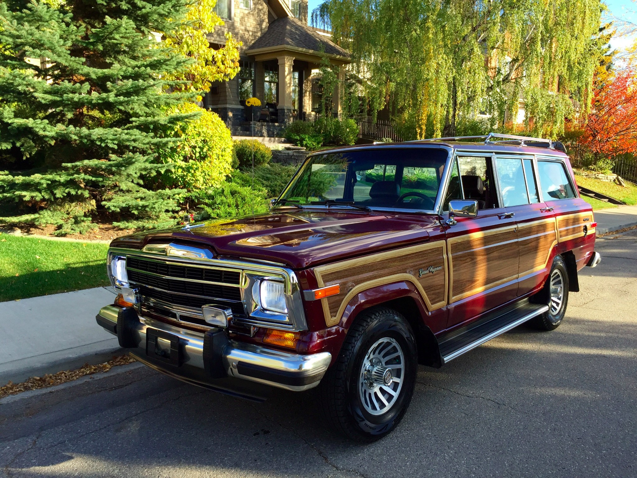 1991 jeep sj grand wagoneer is up for grabs on bring a trailer photo gallery autoevolution. Black Bedroom Furniture Sets. Home Design Ideas