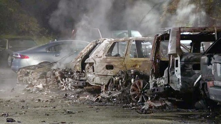 20 Jaguar Land Rover Vehicles Consumed By Fire At Boston