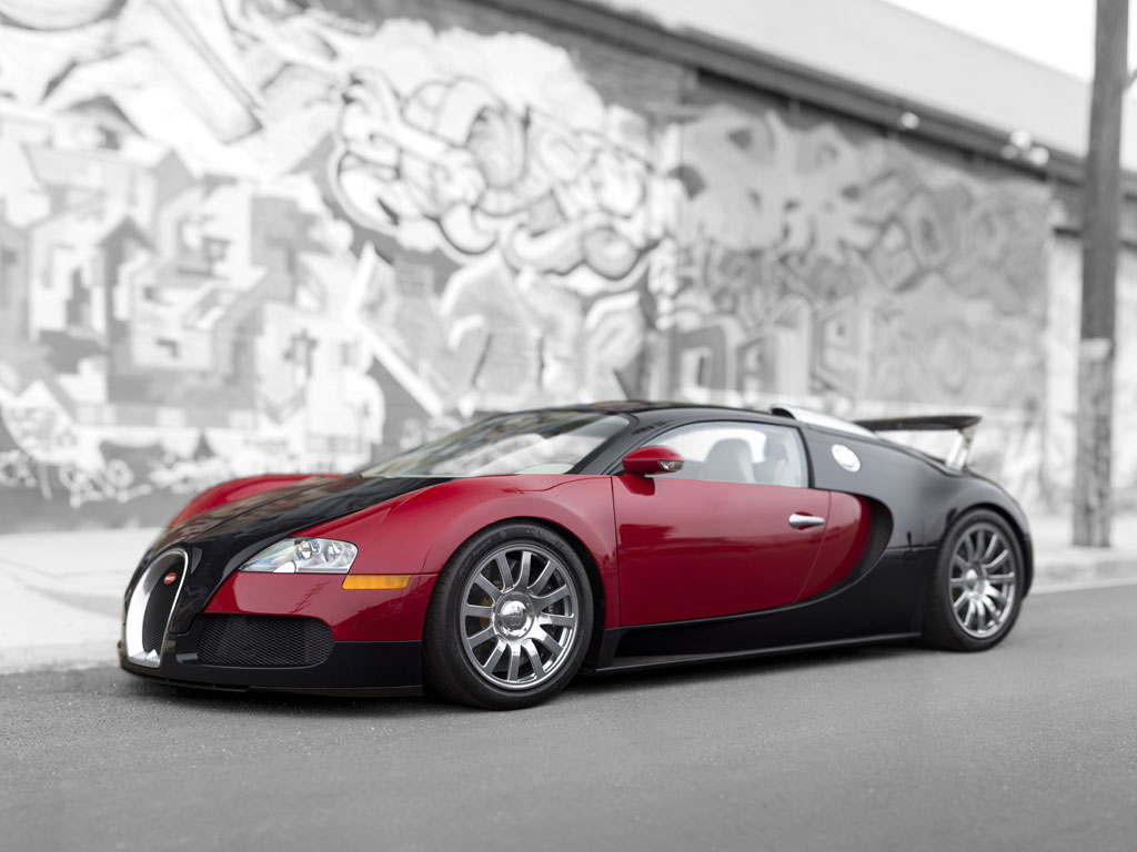 2006 bugatti veyron 39 001 39 will go under the hammer could fetch as much as 2 4 million. Black Bedroom Furniture Sets. Home Design Ideas