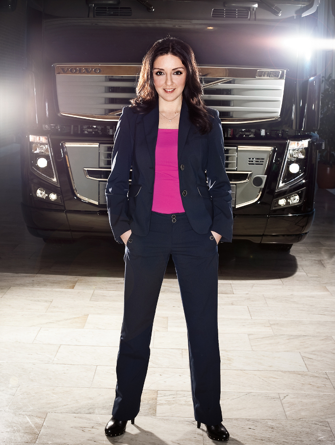 2010 Future Female Leader Award Goes to Volvo Trucks Manager - autoevolution