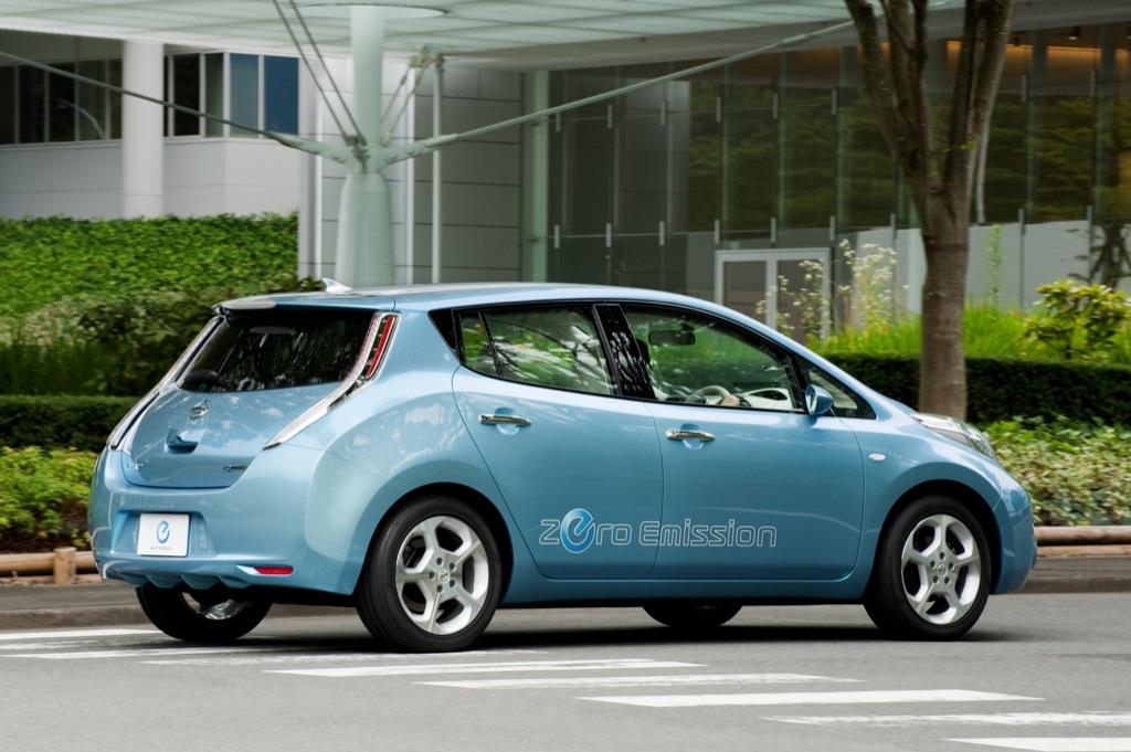 2010 Geneva Auto Show Nissan Leaf Autoevolution