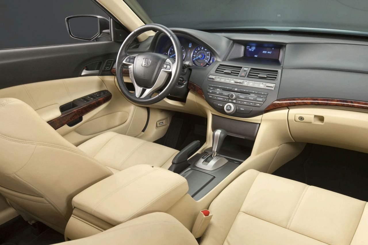 Honda Accord 2009 Interior