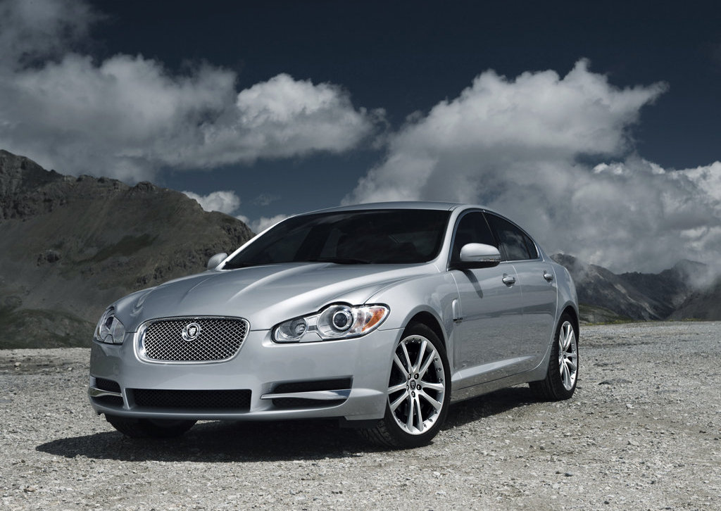 Jaguar Has Just Announced The Introduction Of The 2010 XF Supercharged For  The North American Market Which Will Go On Sale In October 2009.
