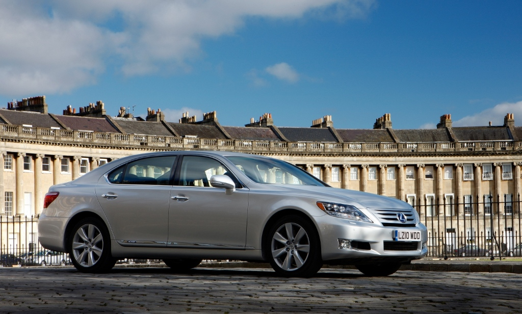 https://s1.cdn.autoevolution.com/images/news/2010-lexus-ls-600h-uk-pricing-announced-18239_1.jpg