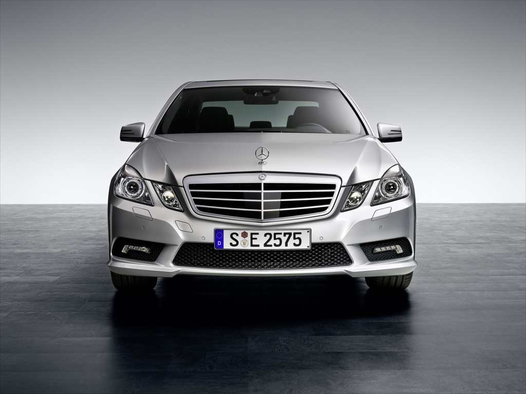2010 mercedes benz e klasse amg package unveiled. Black Bedroom Furniture Sets. Home Design Ideas