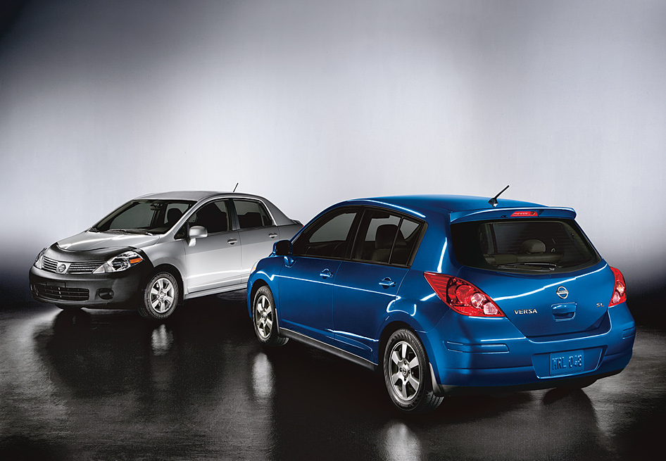 2010 nissan versa pricing announced autoevolution. Black Bedroom Furniture Sets. Home Design Ideas