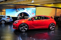 Opel Astra GTC Paris concept live photo