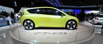 2010 Paris Auto Show: Toyota FT-CH Compact Hybrid [Live Photos]