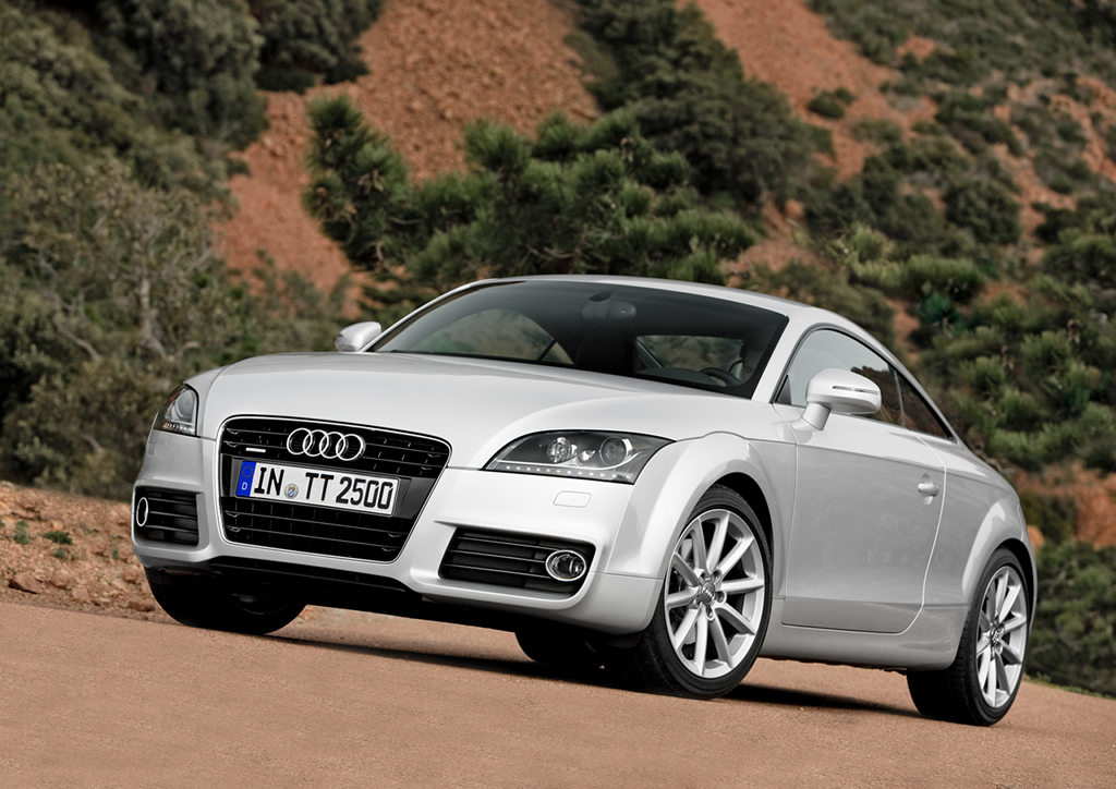 2011 audi tt gets updated engine and mild facelift autoevolution. Black Bedroom Furniture Sets. Home Design Ideas