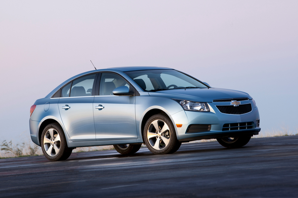 2011 chevrolet cruze receives iihs top safety pick autoevolution. Black Bedroom Furniture Sets. Home Design Ideas