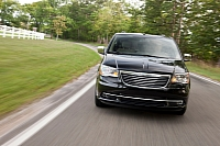 2011 Chrysler Town & Country photo