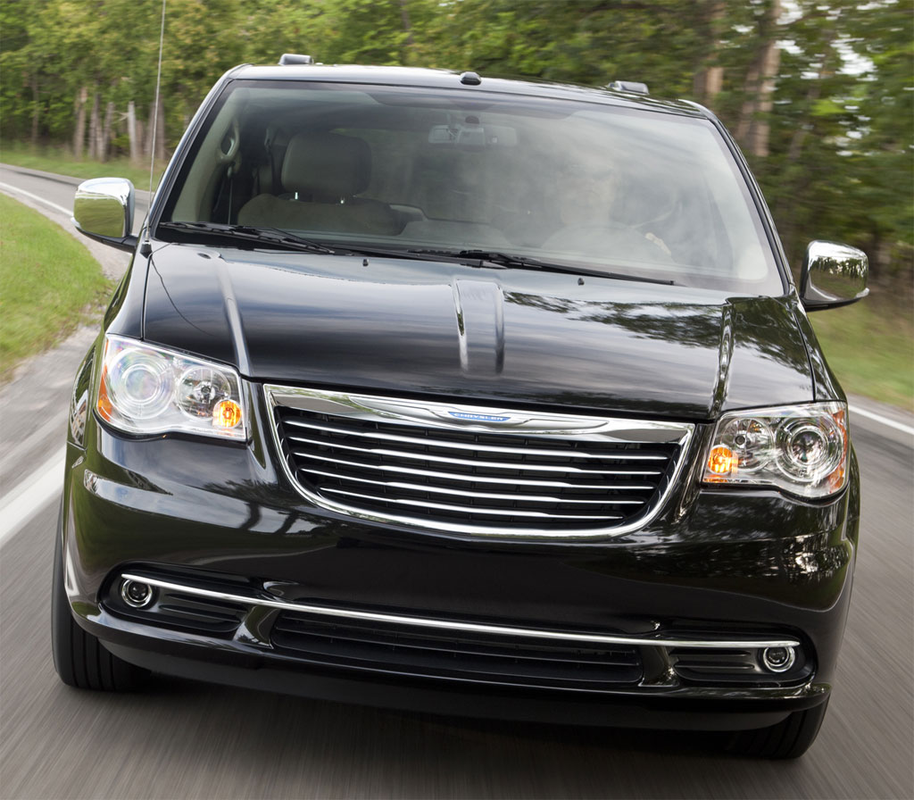 2011 chrysler town country prices announced autoevolution. Black Bedroom Furniture Sets. Home Design Ideas