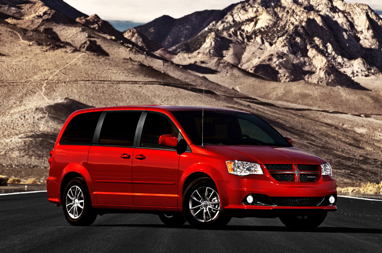 2011 dodge grand caravan r t unveiled autoevolution. Black Bedroom Furniture Sets. Home Design Ideas
