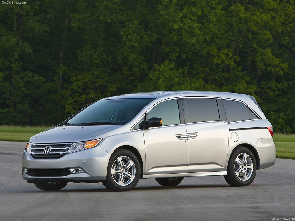 2011 honda odyssey pricing announced autoevolution. Black Bedroom Furniture Sets. Home Design Ideas