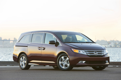 2011 Honda Odyssey Recalled Due To Front Door Glass Issue