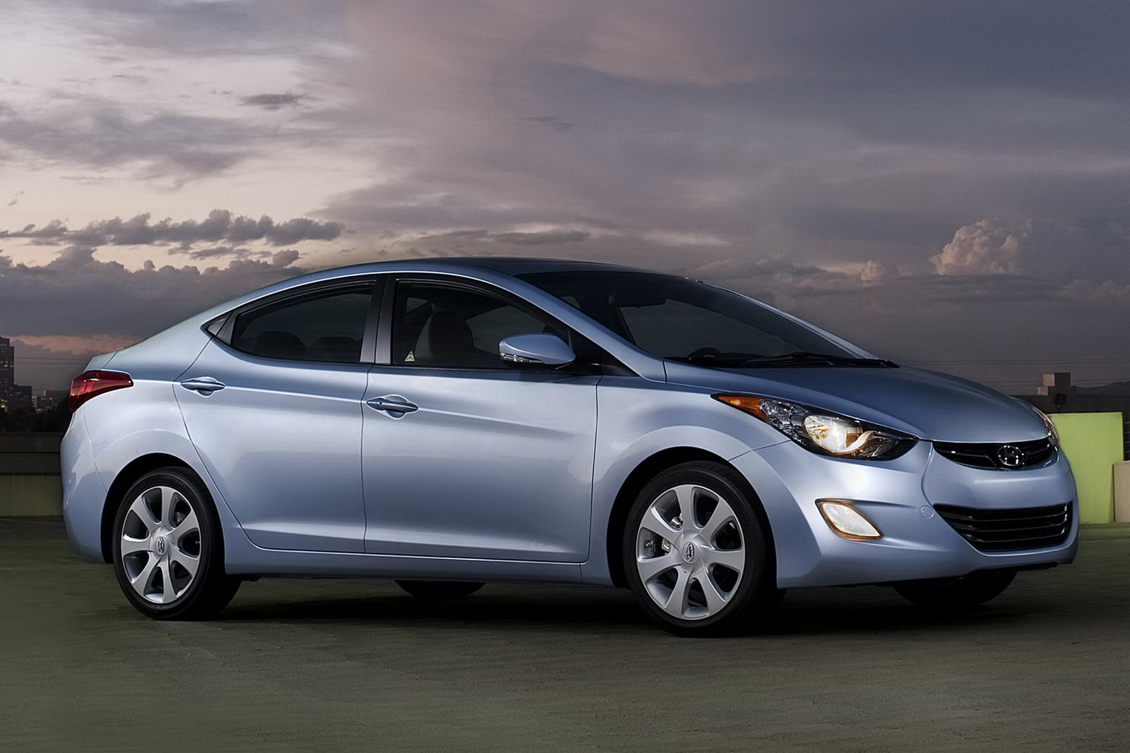 2011 Hyundai Elantra Starts At Under 15 000 Autoevolution