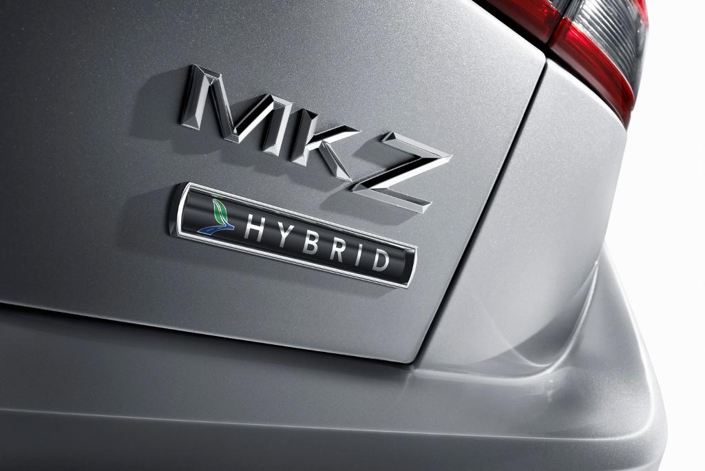 https://s1.cdn.autoevolution.com/images/news/2011-lincoln-mkz-hybrid-gets-epa-certification-21468_1.jpg